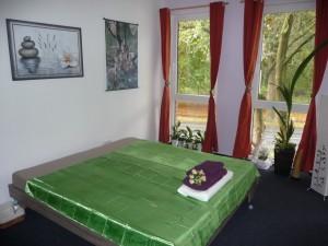 thai_massage_room_green